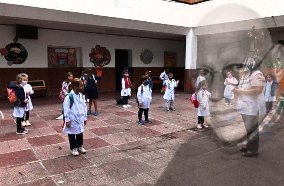 La iglesia busca romper las burbujas en las escuelas