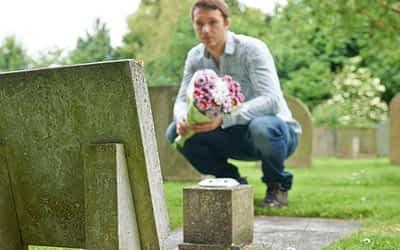 Horarios para los que asistan al cementerio el día del padre