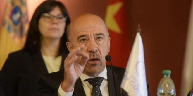 """Oscar Laborde: """"Es grave ayudar a un gobierno golpista pero mucho más grave es ayudar a los golpistas a ser gobierno"""""""