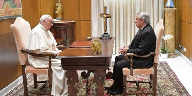 Gira presidencial: Alberto Fernández fue recibido por el Papa