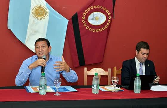 Todos unidos triunfaremos, el análisis político de Miguel Calabró